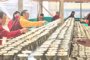 Rinpoche-butterlamp-offering